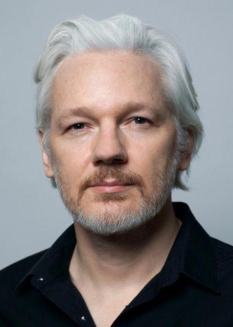 """Résultat de recherche d'images pour """"julian assange 2019"""""""