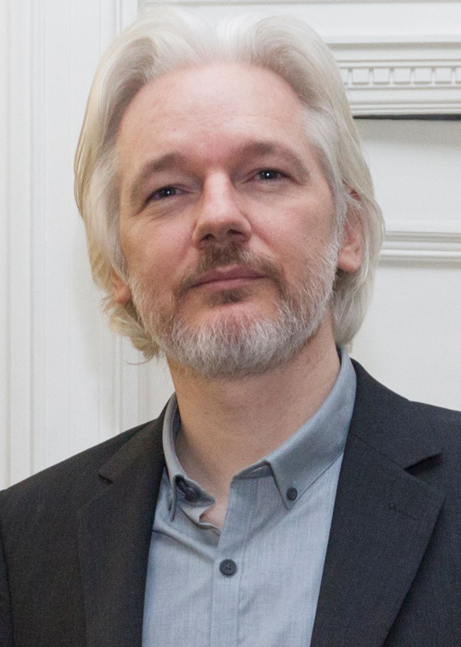 Ecuador hints it may hand over Julian Assange to Britain and the US