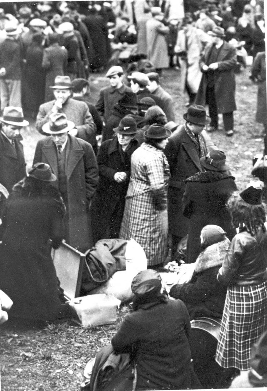 Polish Jewish deportees expelled from Germany on October 27-28, 1938, in Zbąszyń © Yad Vashem Photo Archives