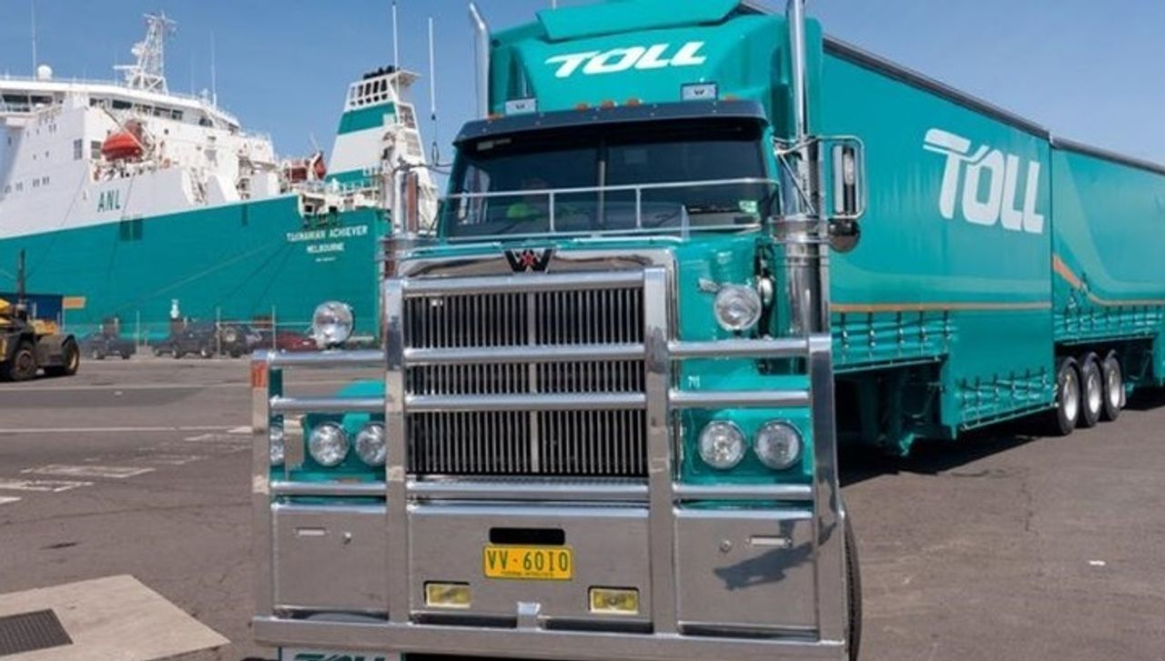 Australia: 7,000 Toll transport workers threaten industrial action