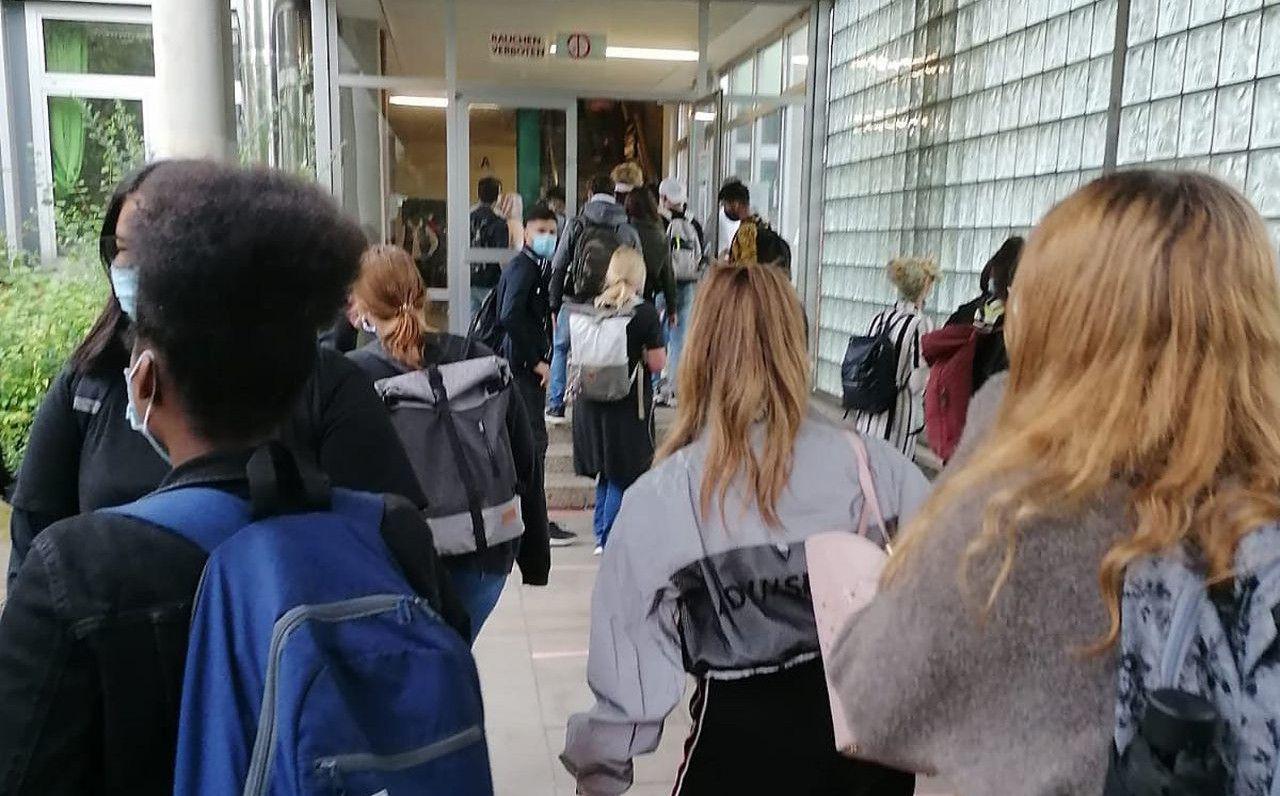 Netzwerk-Treffen-der-Aktionskomitees-f-r-sichere-Bildung-diskutiert-ber-europaweiten-Schulstreik
