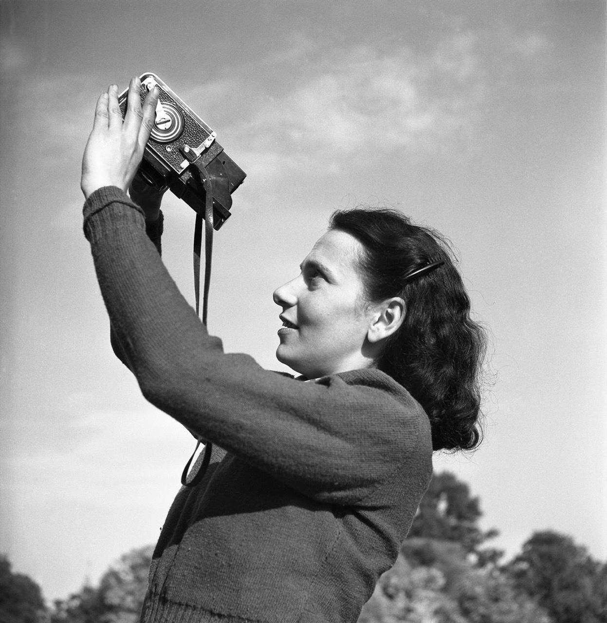 Henk Jonker, Maria Austria with camera, 1946. Courtesy of the Jewish Historical Museum, Amsterdam