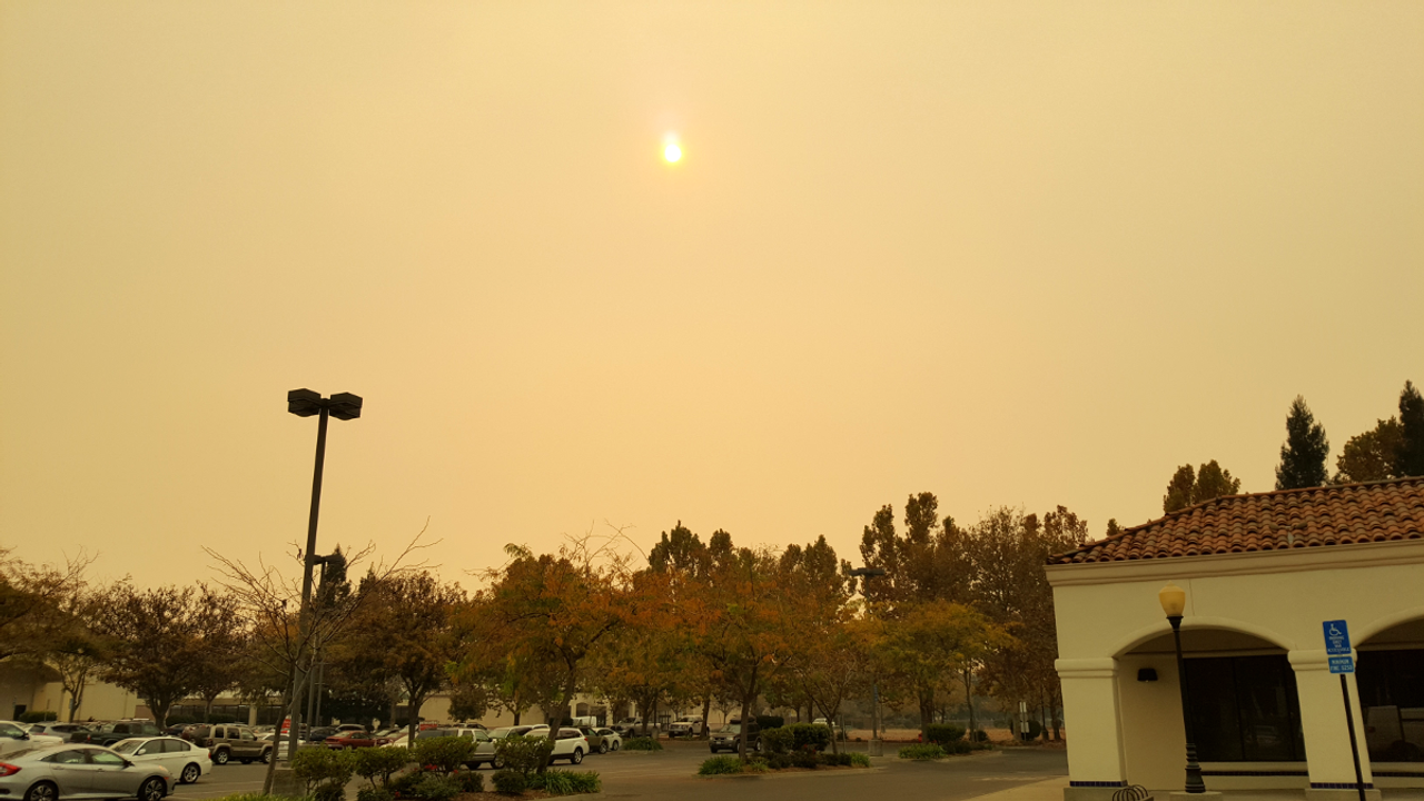 The afternoon sun through clouds of ash in Chico