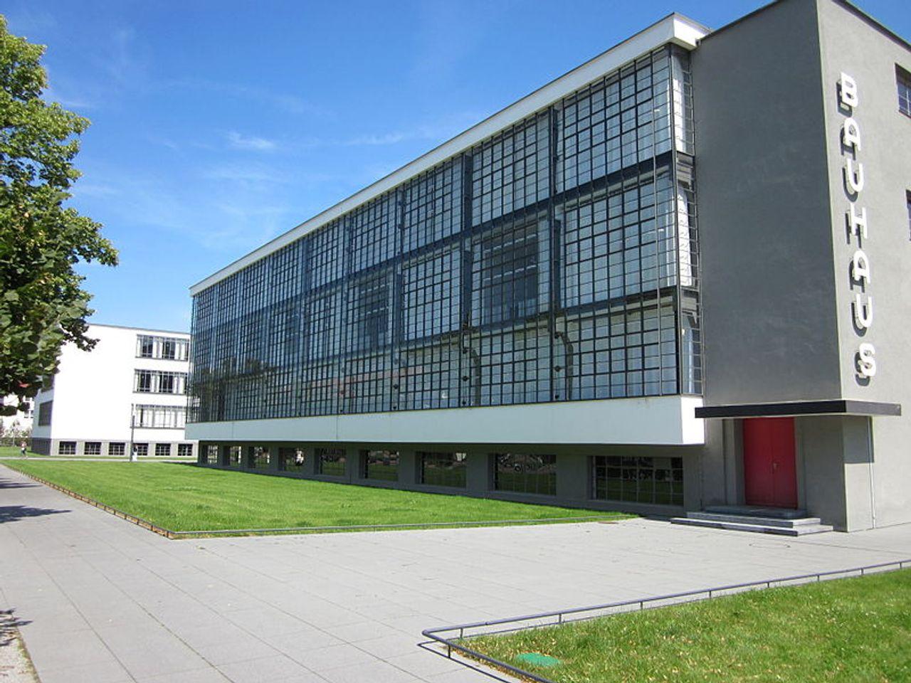 Bauhaus in Dessau [Source: Hjochheim]