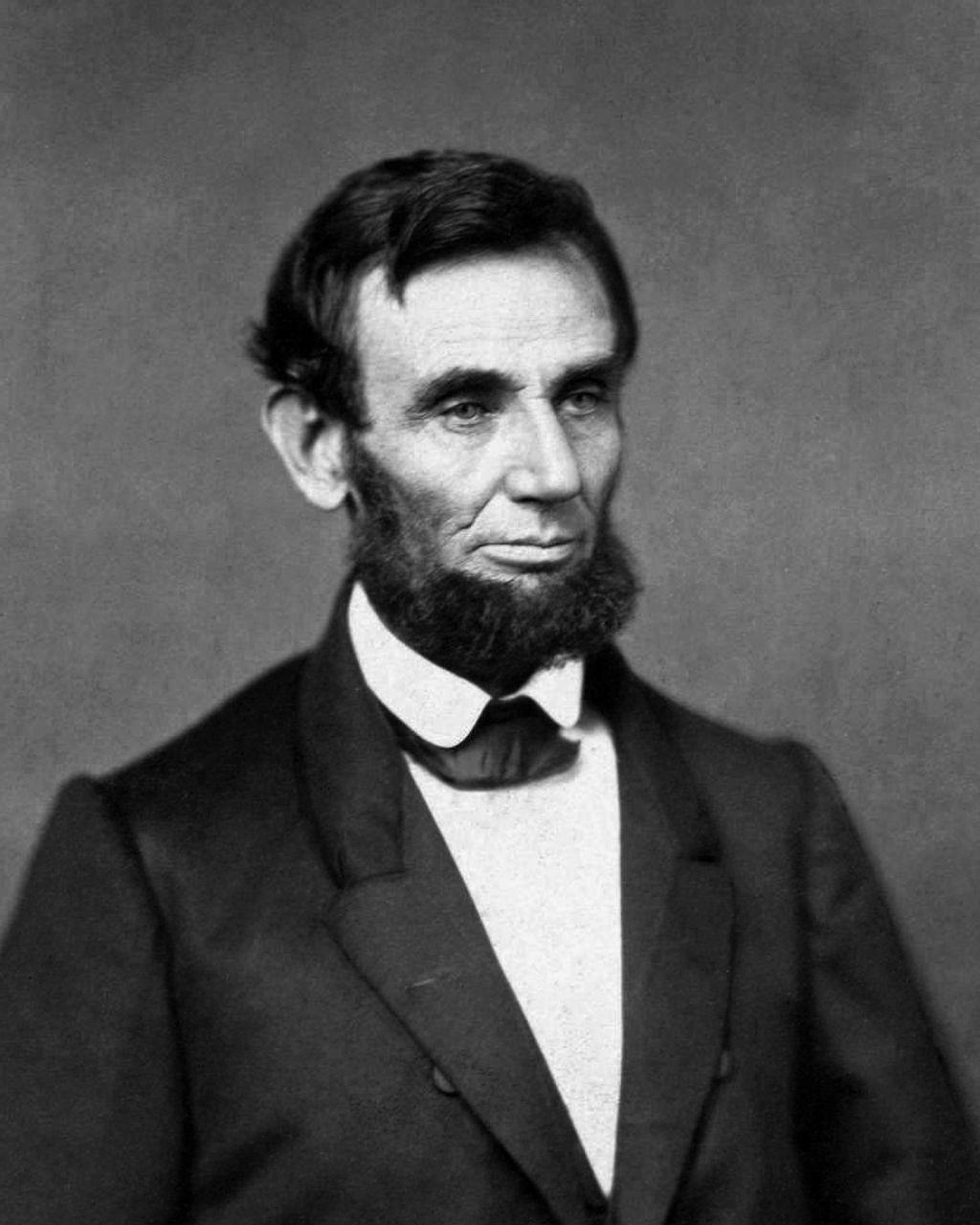 Abraham Lincoln, 1861