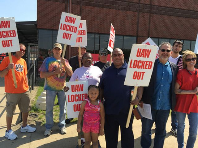 After six-month lockout, workers reject UAW-Honeywell ultimatum