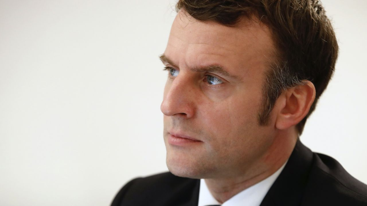 Macron rejects calls for strict lockdown as COVID-19 surges in France