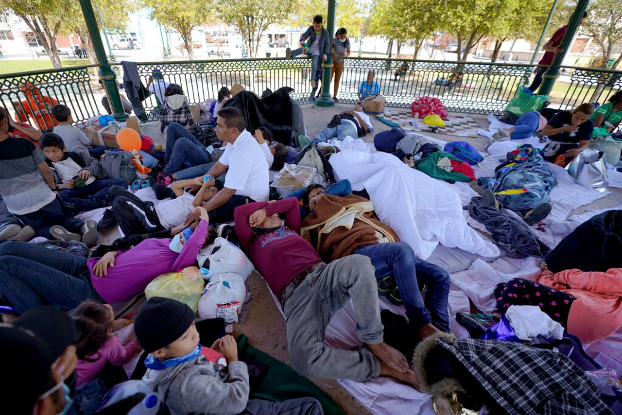 Biden administration prepares to escalate deportations of families detained at the border