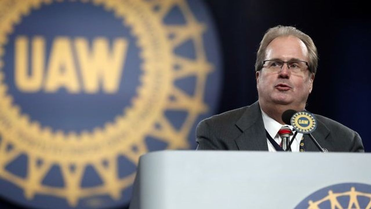 UAW President Taking Paid Leave Amid Corruption Investigation