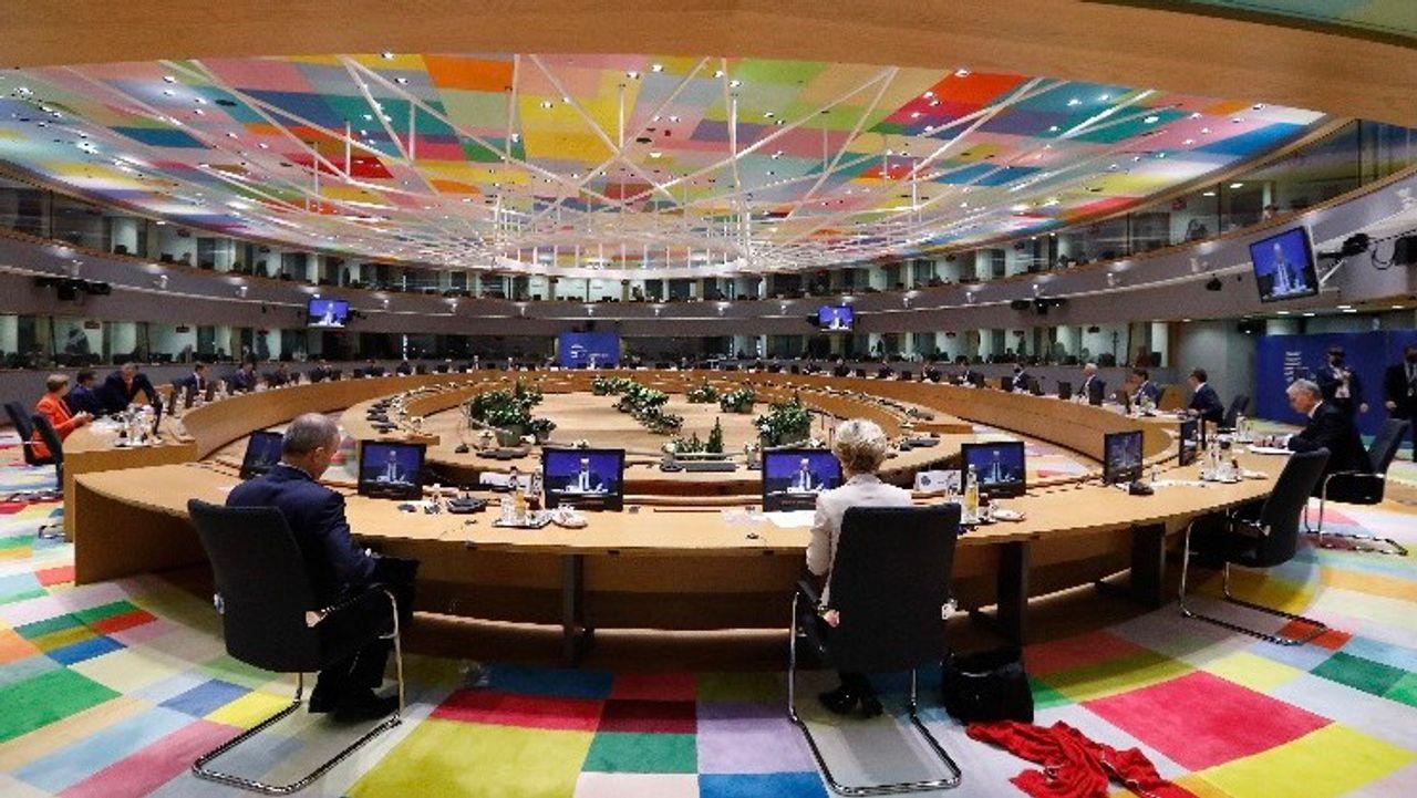 Sommet de l'UE: des milliards pour les banques, rien pour les travailleurs  - Championnat d'Europe 2020