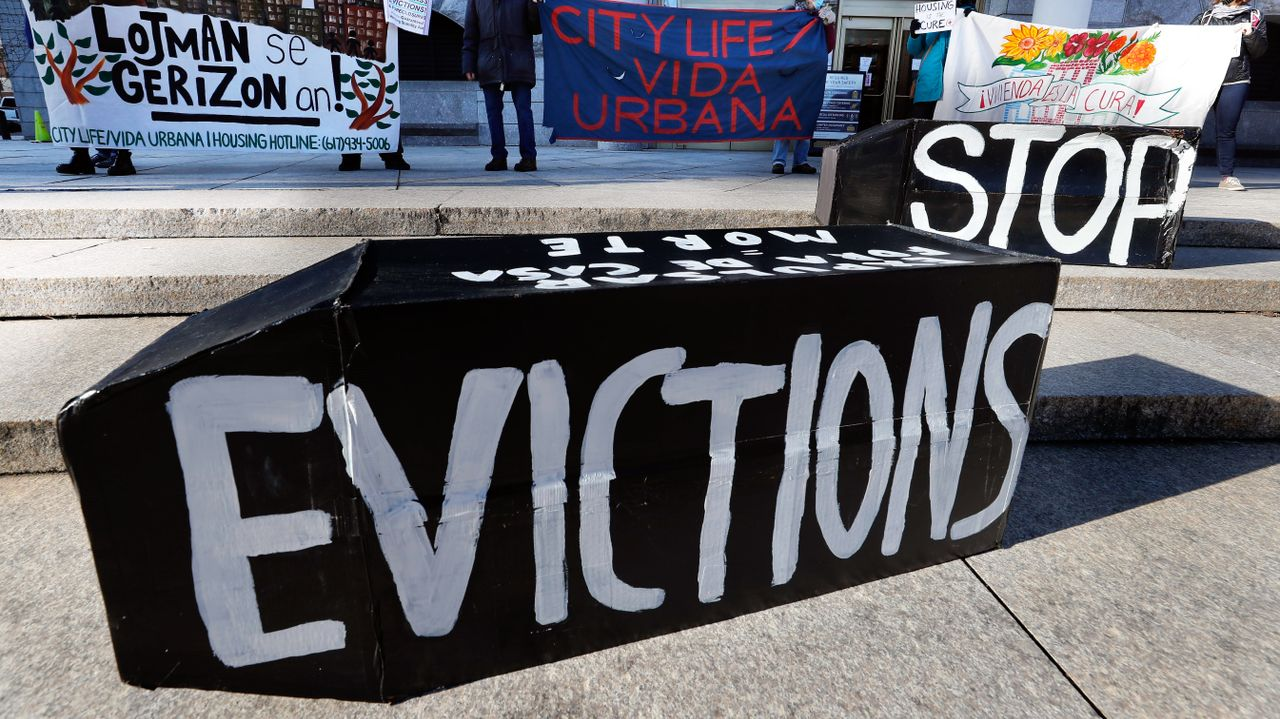At last minute, US government renews inadequate eviction moratorium for three months
