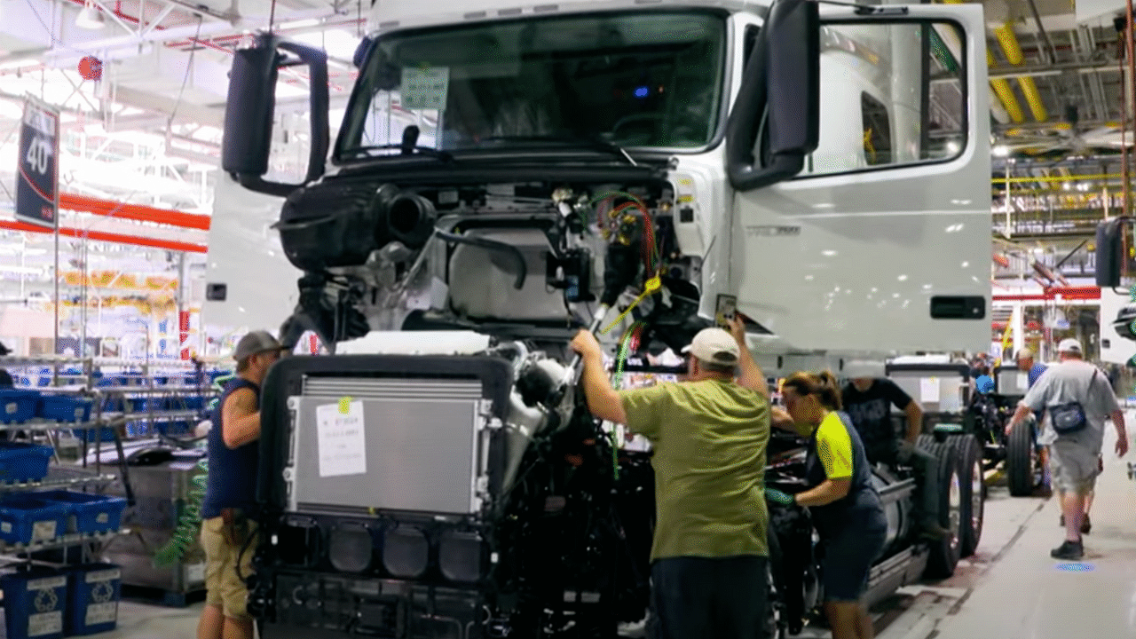 UAW continues to withhold the full contract agreement for Volvo Trucks workers in Virginia