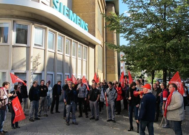 Germany: Works council and union agree to job cuts at Siemens Power