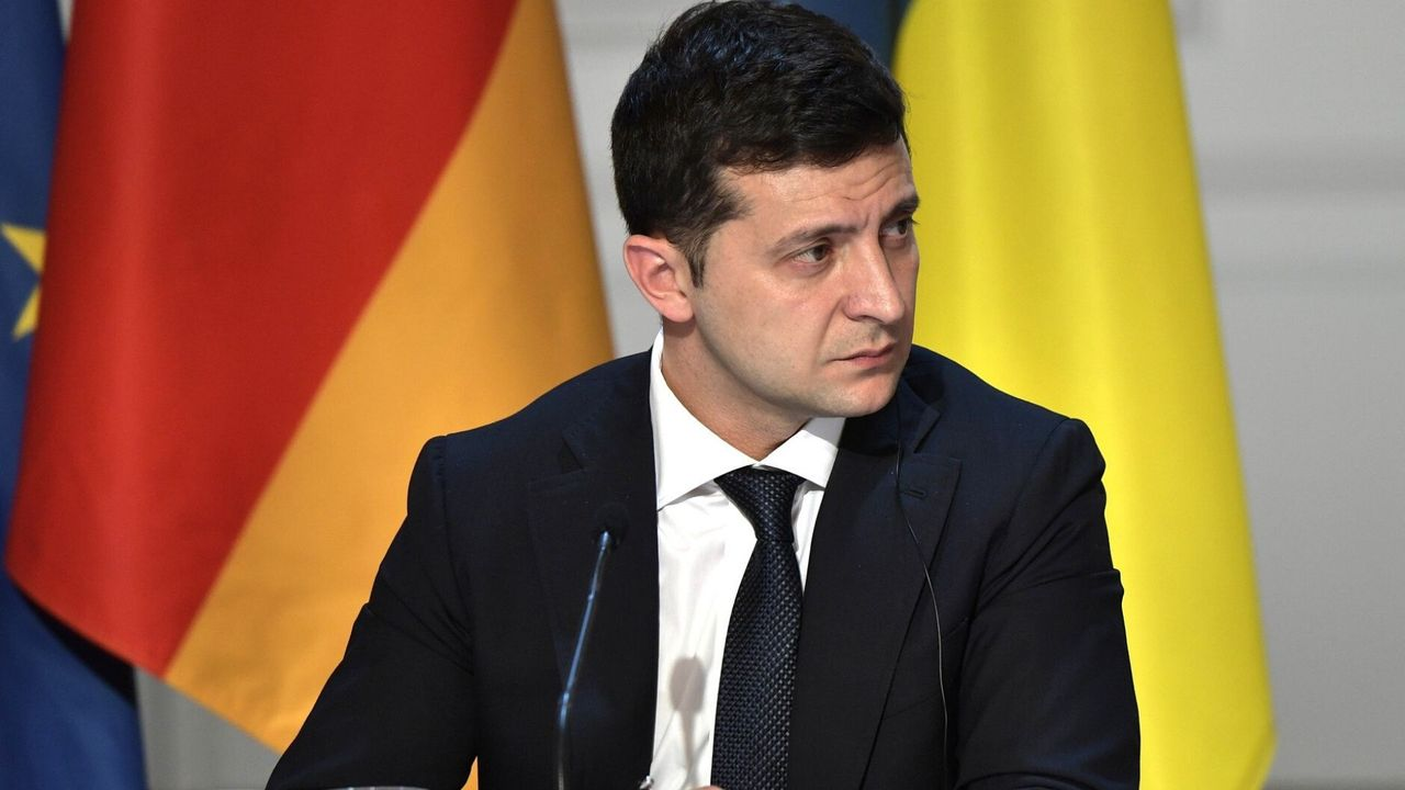 Ukrainian President Zelensky calls on NATO to step up its military intervention in the Black Sea as Russian press warns of war