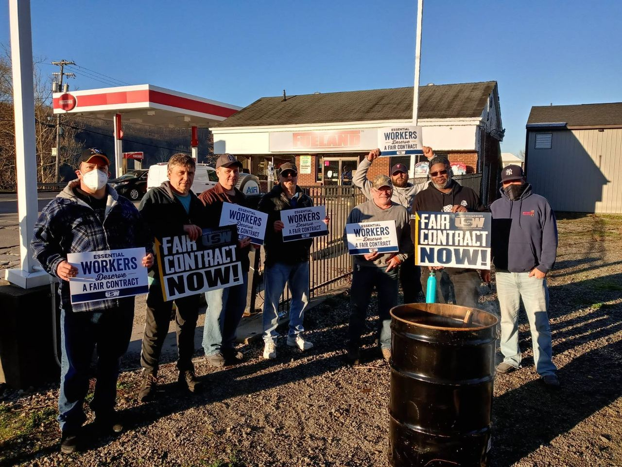 1,300 steelworkers in five states strike at Allegheny Technologies