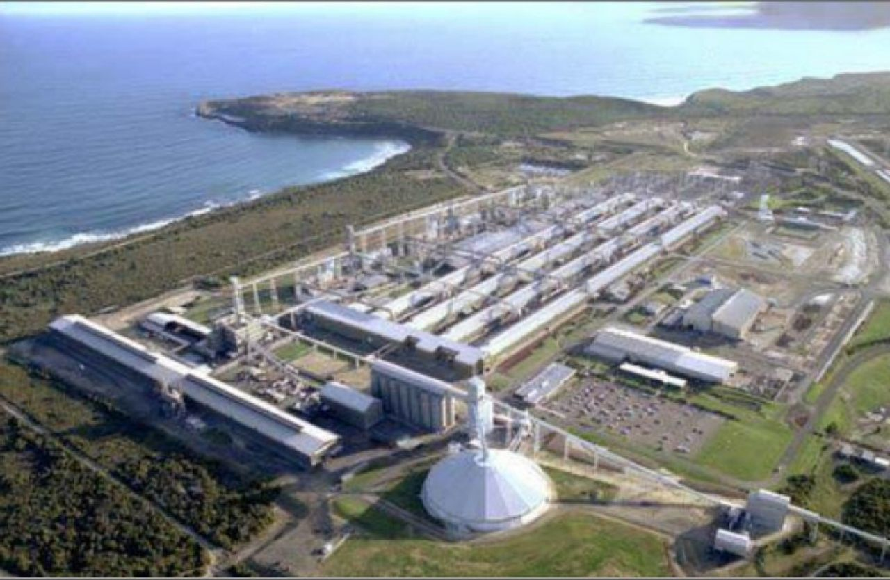 Alcoa threatens smelter closure to extract more Australian government subsidies