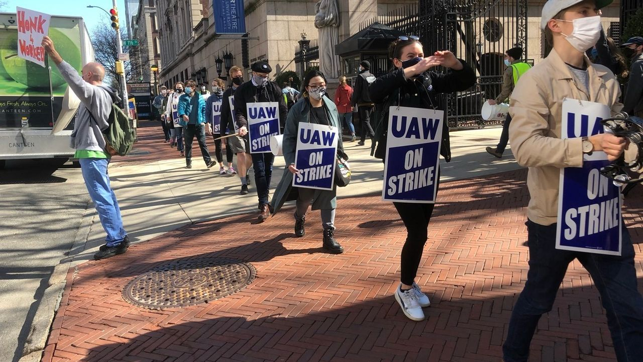 """Columbia graduate workers: organize opposition to the UAW strike""""pause""""!"""