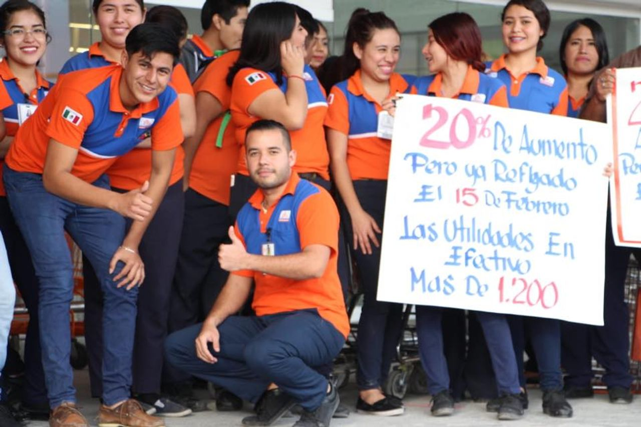 This sign of striking Matamoros, Mexico workers reads: '20 percent wage increase reflected on February 15 and profit sharing in cash of 1,200 pesos ($62)'