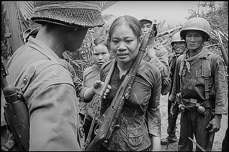 vietnam war and media Through visual media, the american public lost much confidence in the vietnam war as barkin summarizes: the unrelenting, nightly scenes of suffering both caused and sustained by americans: an almost-naked child running from the fighting, her eyes a mirror of unspeakable.