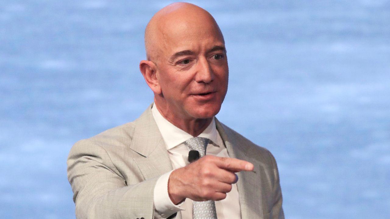Amazon-Gründer Jeff Bezos (AP Photo/Charles Krupa)