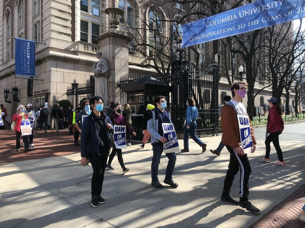 Columbia graduate students resist efforts to shut down their strike