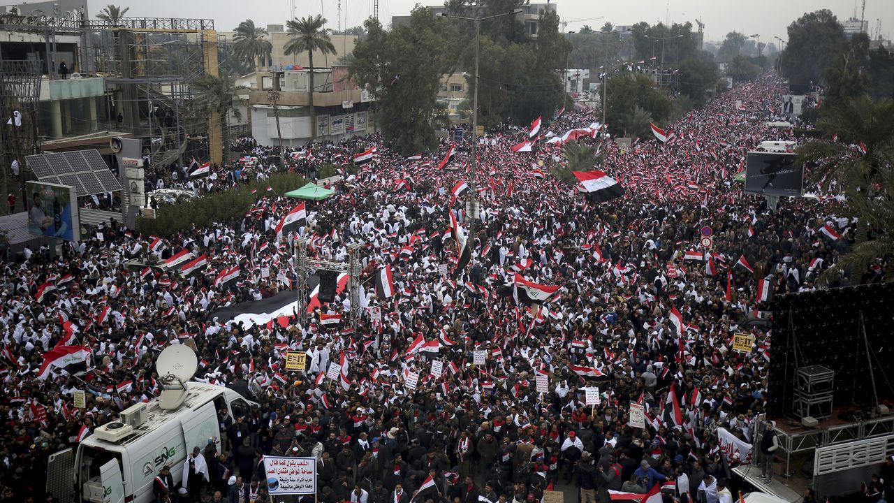 Demonstrators protest US actions in Iraq (Credit: AP Photo)