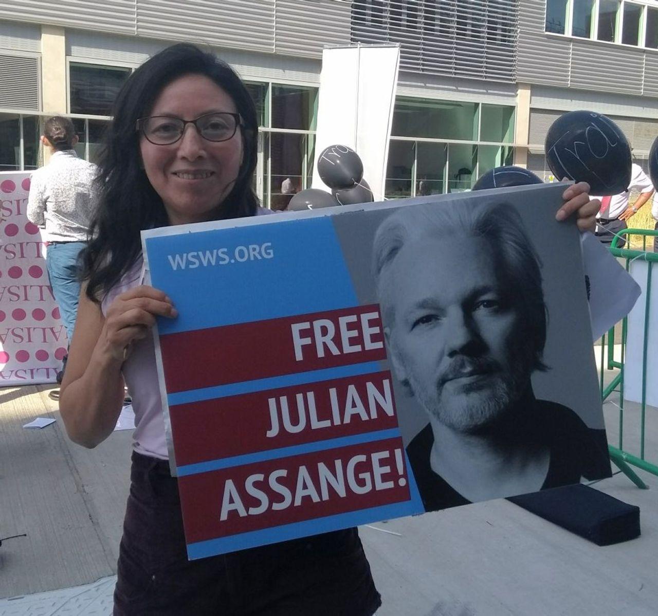 Ecuador's president seeks Assange exit from London embassy