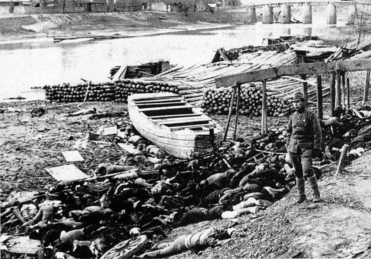 Bodies of victims along Qinhuai River out of Nanjing's west gate during Nanjing Massacre