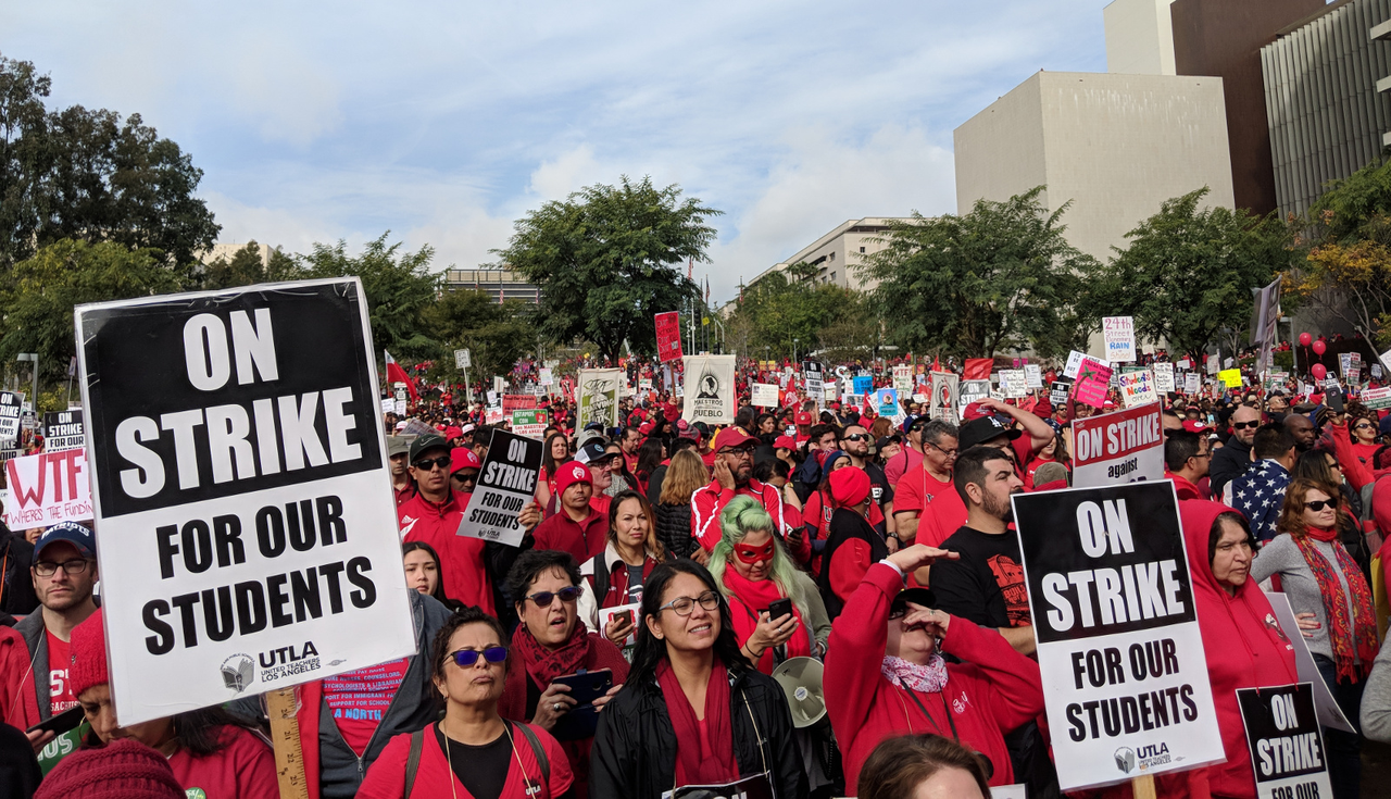 "LA and Oakland teachers: Vote ""No"" on the deadly deals to reopen schools!"
