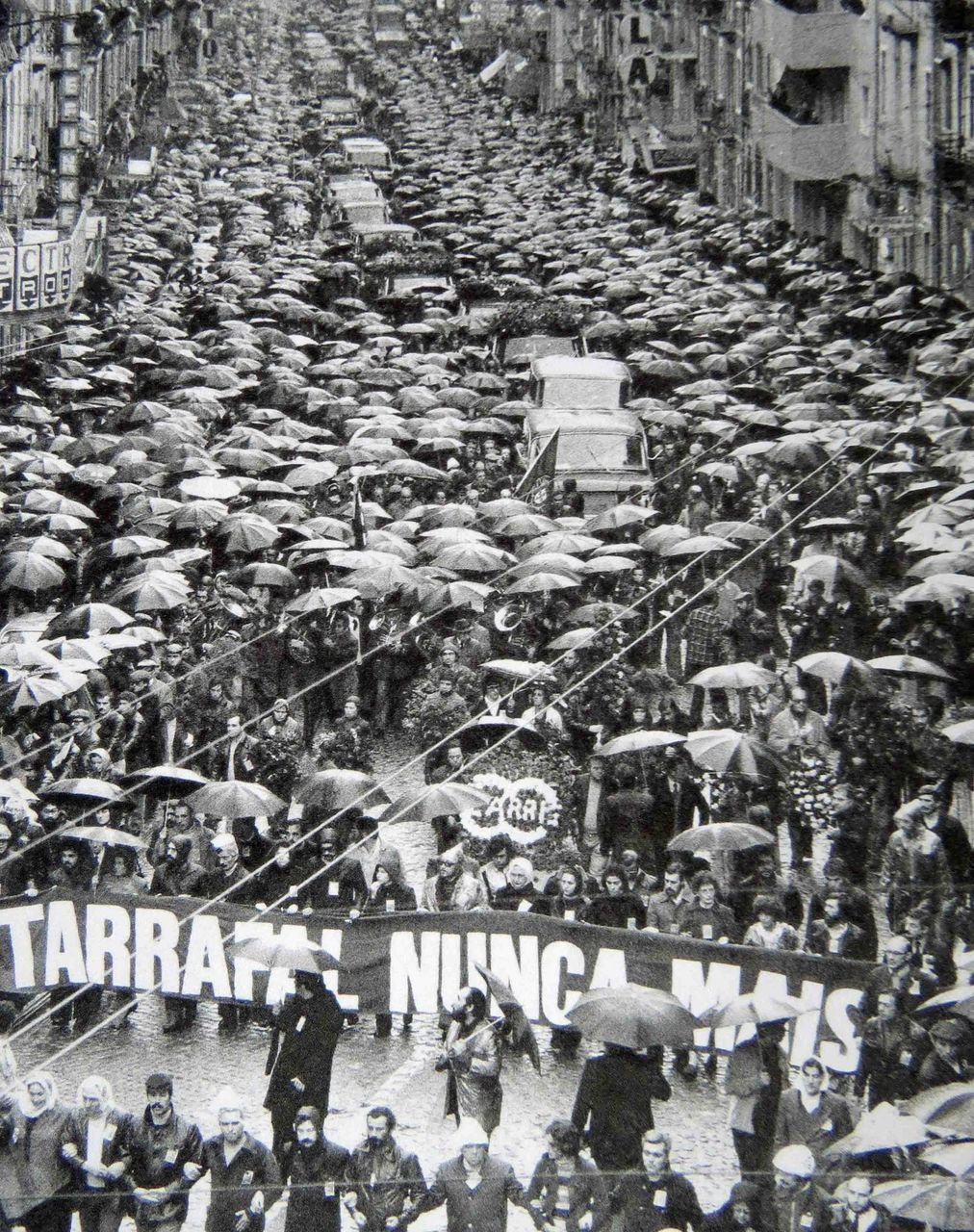 Demonstration during the repatriation of the Tarrafal dead, 1978
