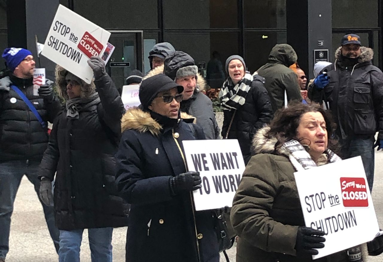 Federal workers protest in downtown Chicago