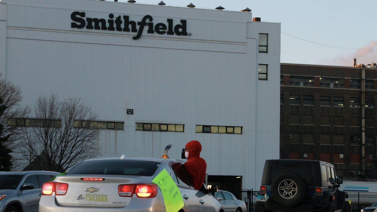 UFCW Local 340A announces deal to avert strike at Smithfield meatpacking plant in South Dakota