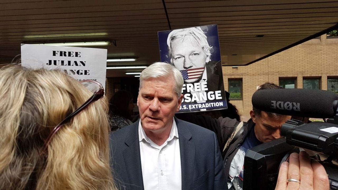 WikiLeaks Editor in Chief, Kristinn Hrafnsson, speaking outside the court