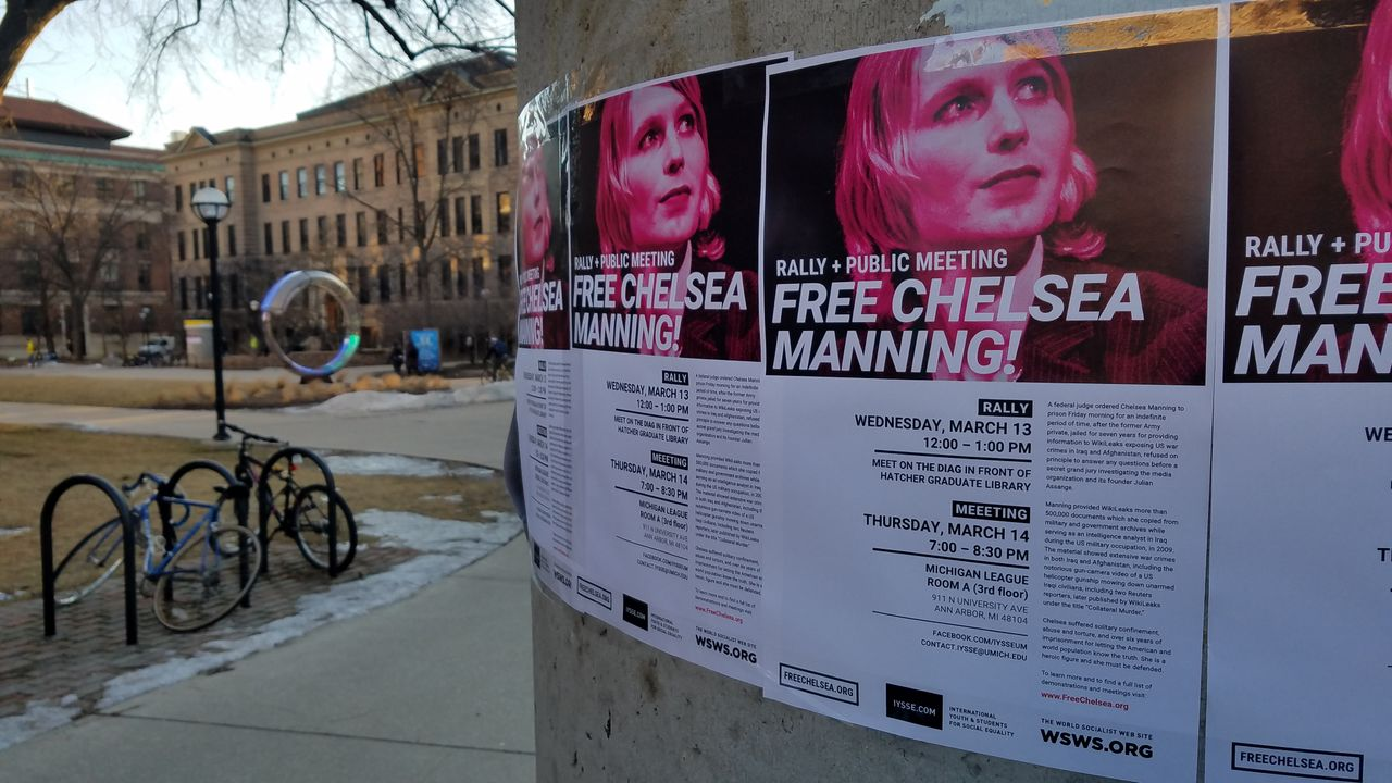 Free Chelsea Manning posters in the USA