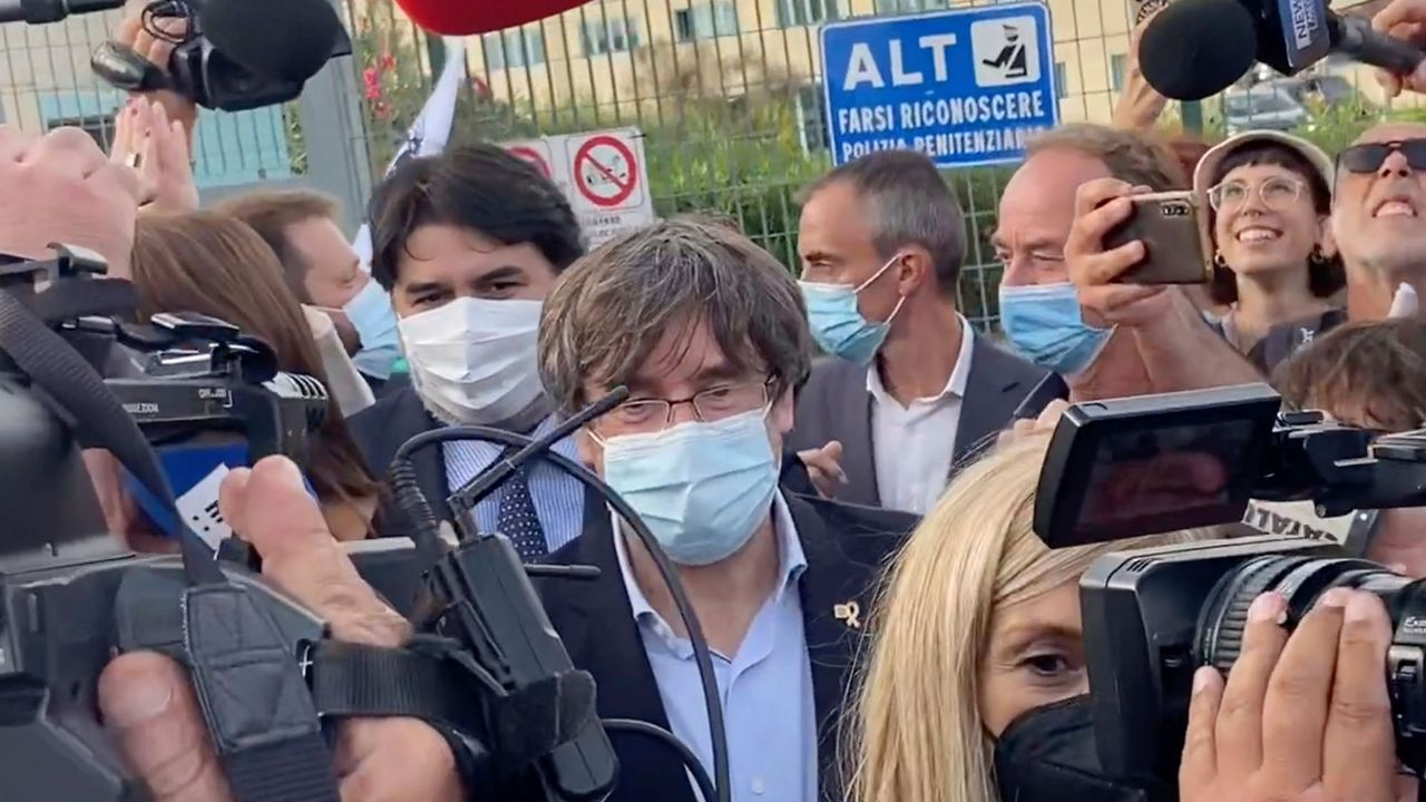 Italy arrests ex-Catalan regional Premier Puigdemont for extradition to Spain