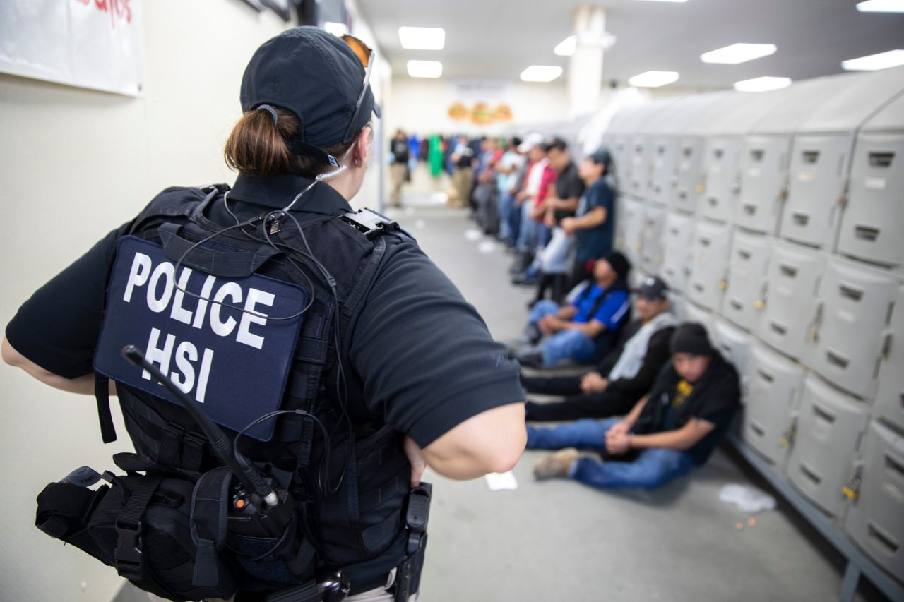 ICE workplace raid in Mississippi