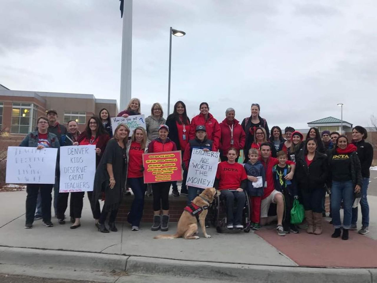 Demonstrating Denver, USA teachers, photo DCTA