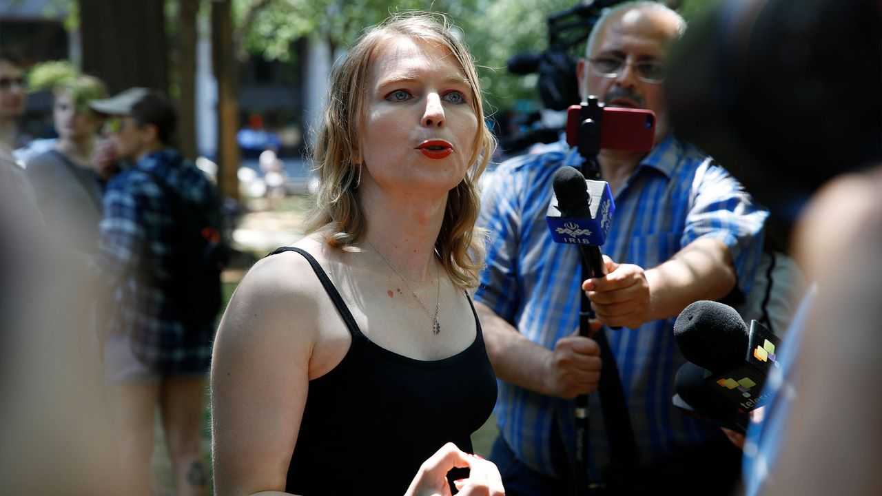 Chelsea Manning challenges attempt to permanently bar her from Canada under Ottawa's state secrecy laws