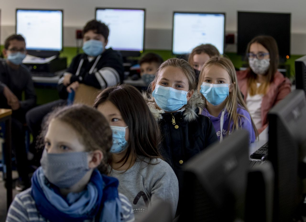 With rising levels of infection in Germany, resistance to school openings grows