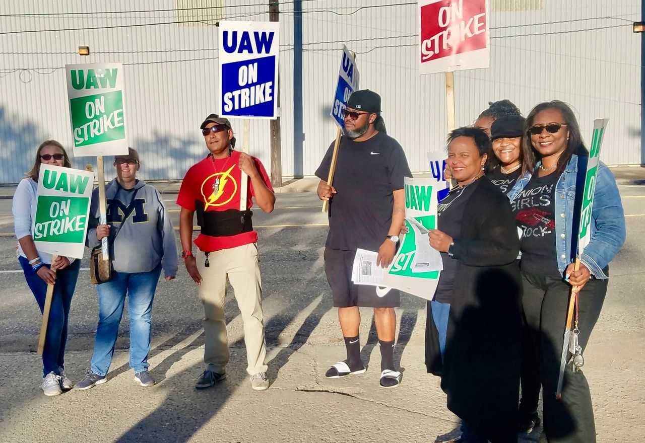 General Motors workers' strike in the U.S.  affects Mexico plants