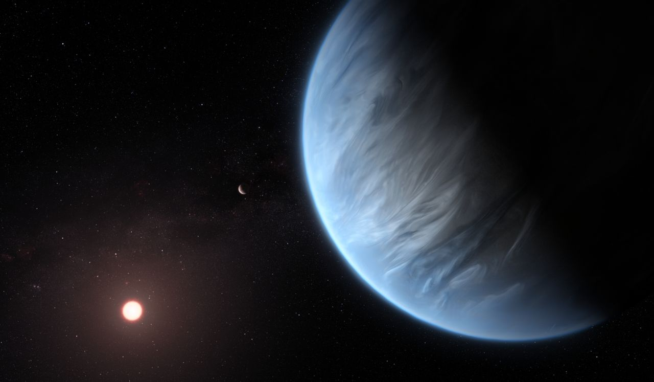 Hubble Space Telescope detects water vapor on habitable-zone