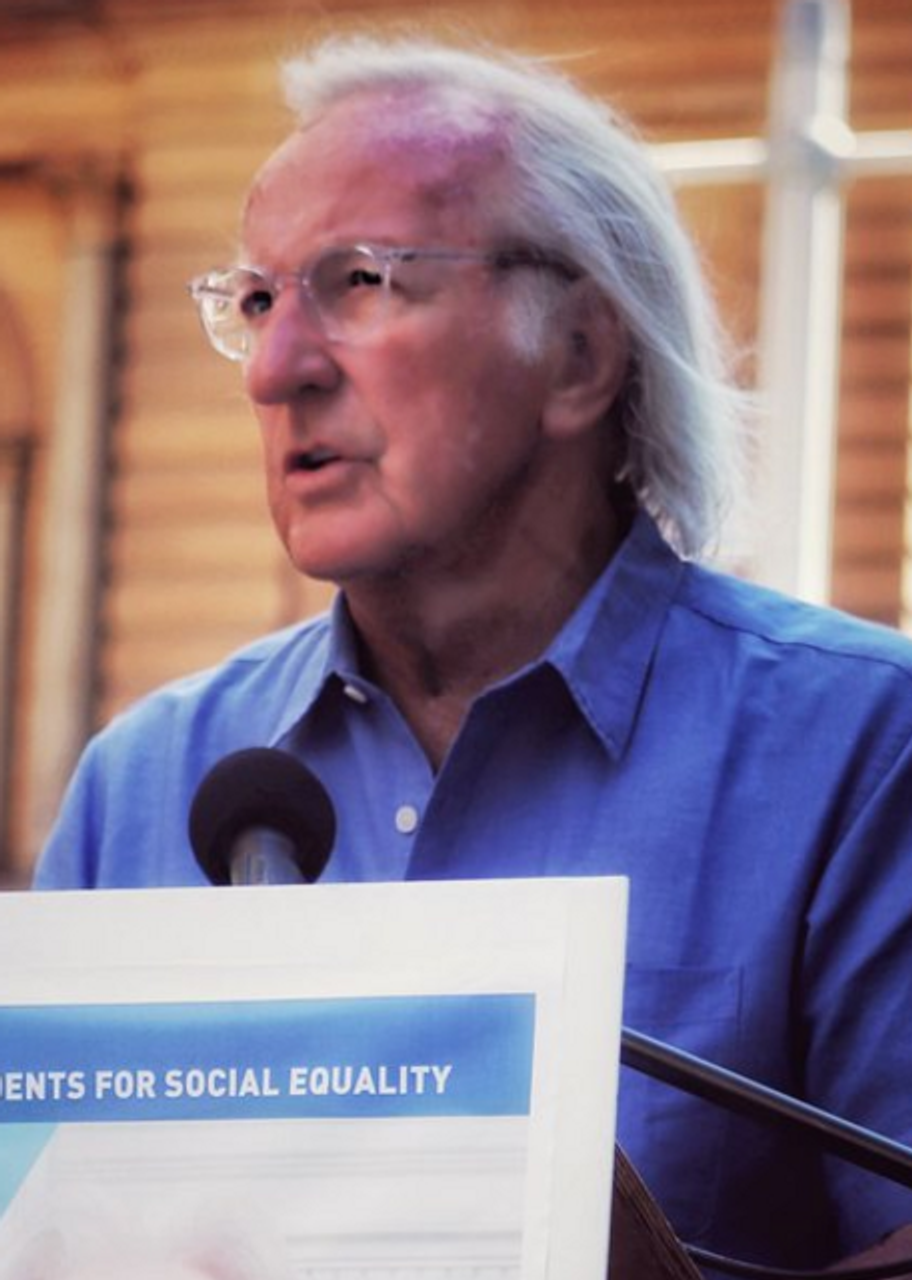 """John Pilger warns: """"Do not forget Assange. Or you will lose him"""""""