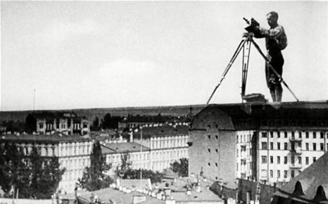 Dziga Vertov's The Man with a Movie Camera: One of the films you ...